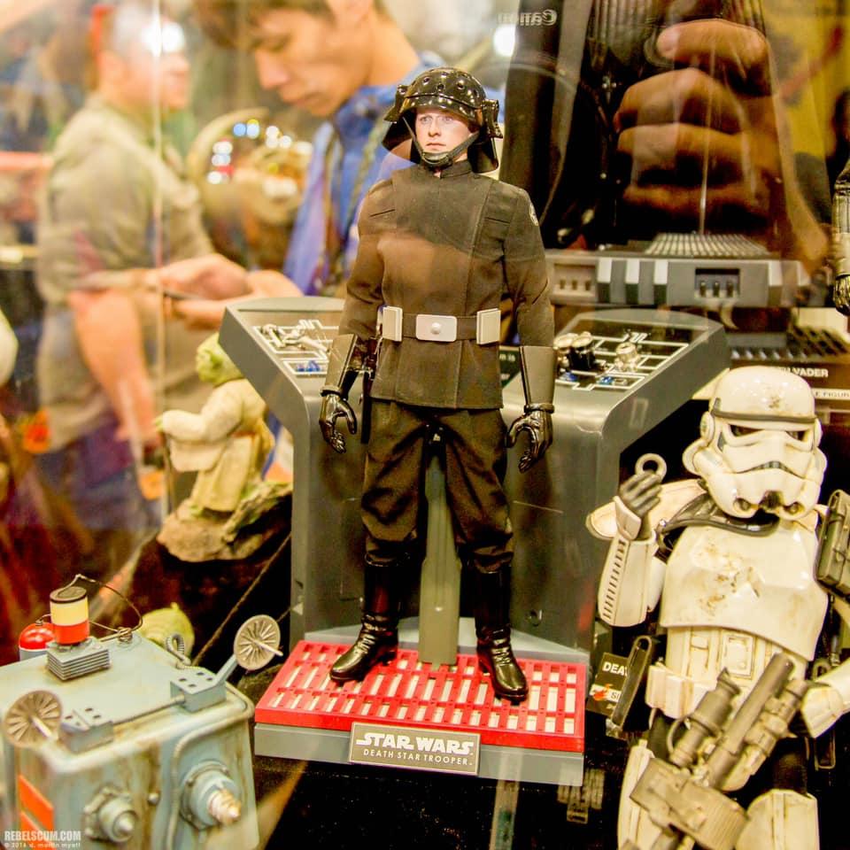 Hot Toys Death Star Trooper proto 1.jpg