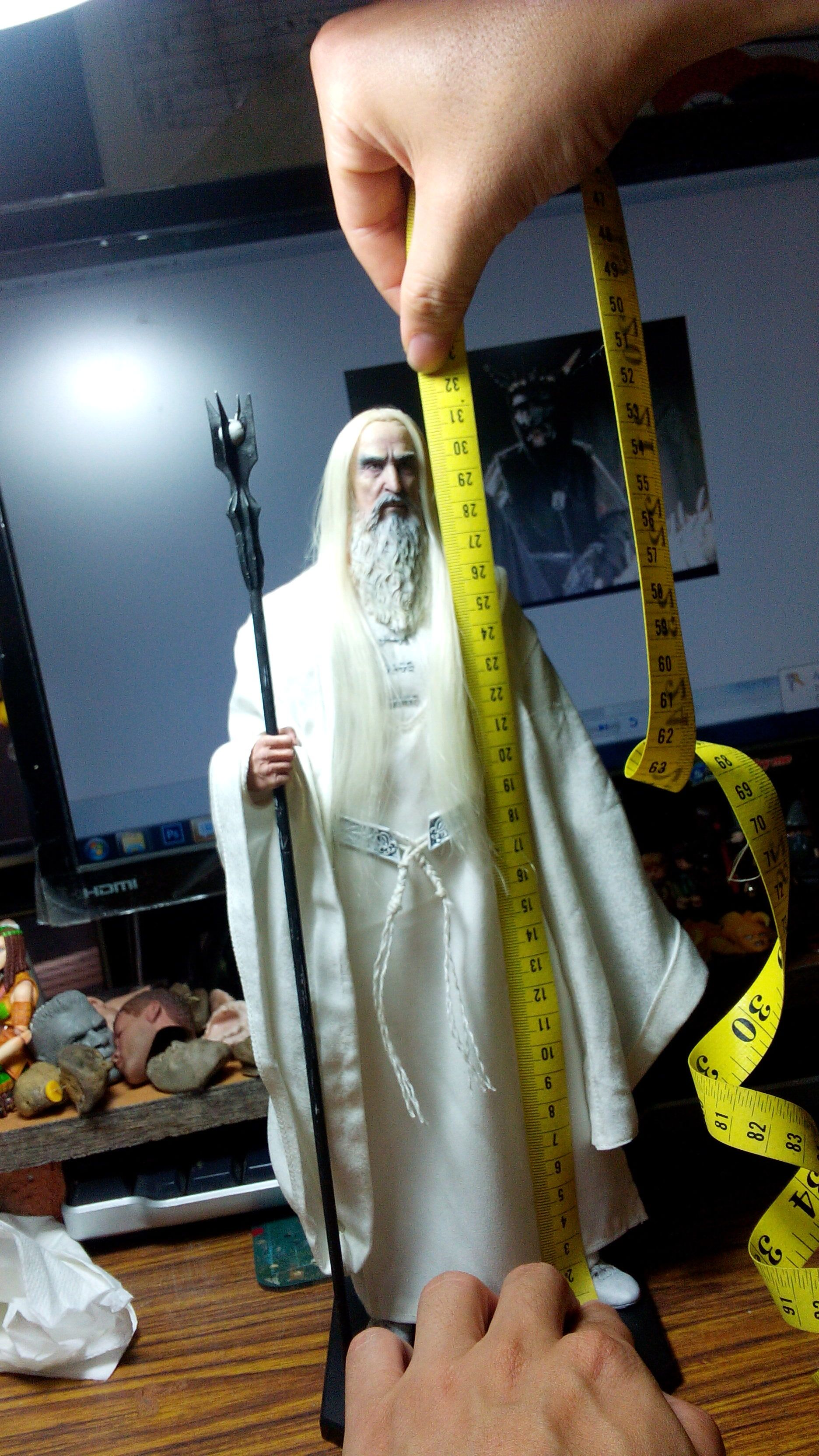 [Asmus Toys] The Lord of the Rings: Saruman - 1/6 scale - Página 2 Attachment